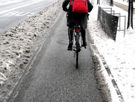 Em Copenhague, prefeitura retira neve das ciclovias antes que das ruas para carros